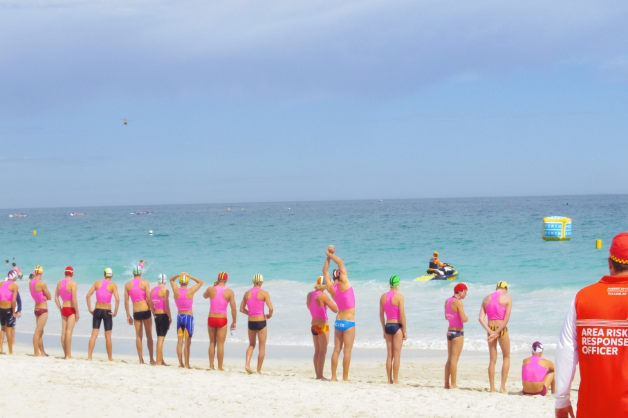 Un tour a deux blog australie perth plage scarborough surf life saving equipes attente