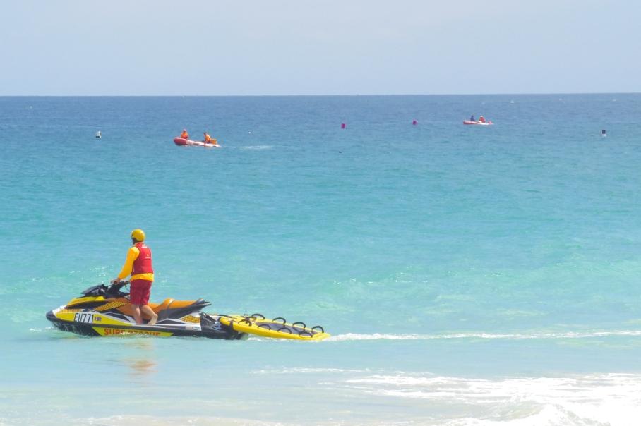 Un tour a deux blog australie perth plage scarborough surf life saving jetski