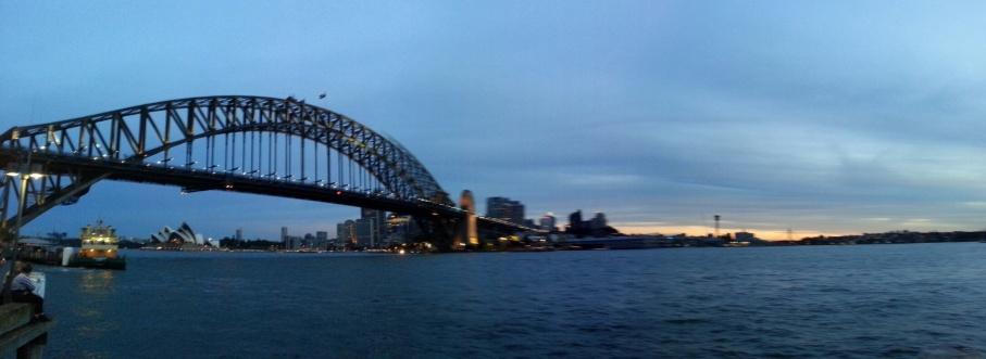 2014 04 - Harbour Bridge by night