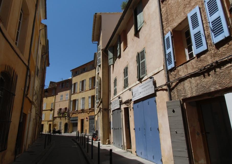 Blog untouradeux voyage travel paris perth aix en provence marche ruelles aix france
