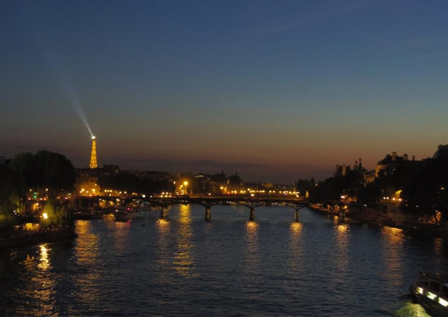 Paris La Seine Australie Voyage Decouverte Bateau Mouches Blog Travel un tour a deux