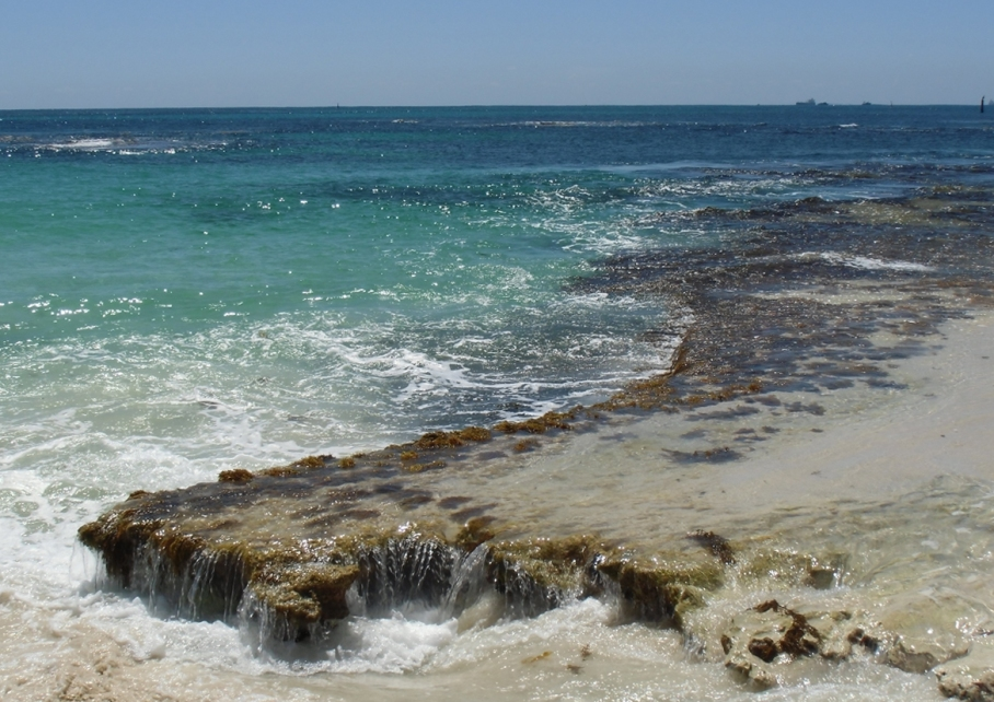 Un tour a deux blog voyage travel perth australia rottnest island rocher plage beach little bay sea
