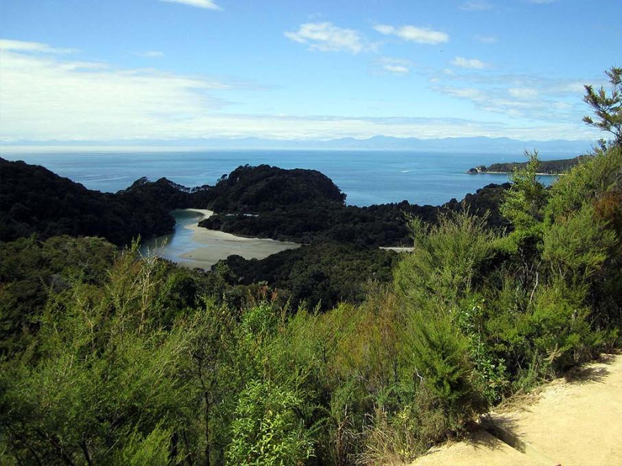 Un tour a deux blog voyage travel nouvelle zelande new zealand abel tasman park kayak go pro tasman sea vue du sentier