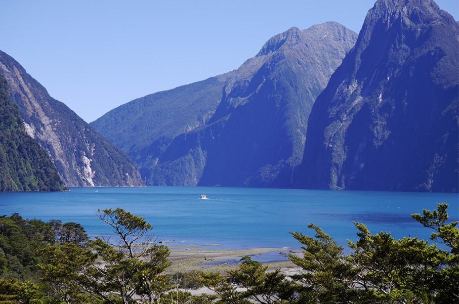 Un tour a deux blog voyage travel nouvelle zelande new zealand milford sound montagnes eau randonnee croisiere bateau ocean untouradeux.com