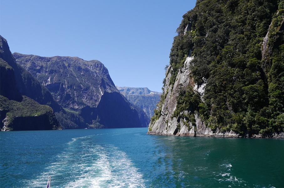 Un tour a deux blog voyage travel nouvelle zelande new zealand milford sound montagnes eau randonnee viewcroisiere bateau untouradeux.com