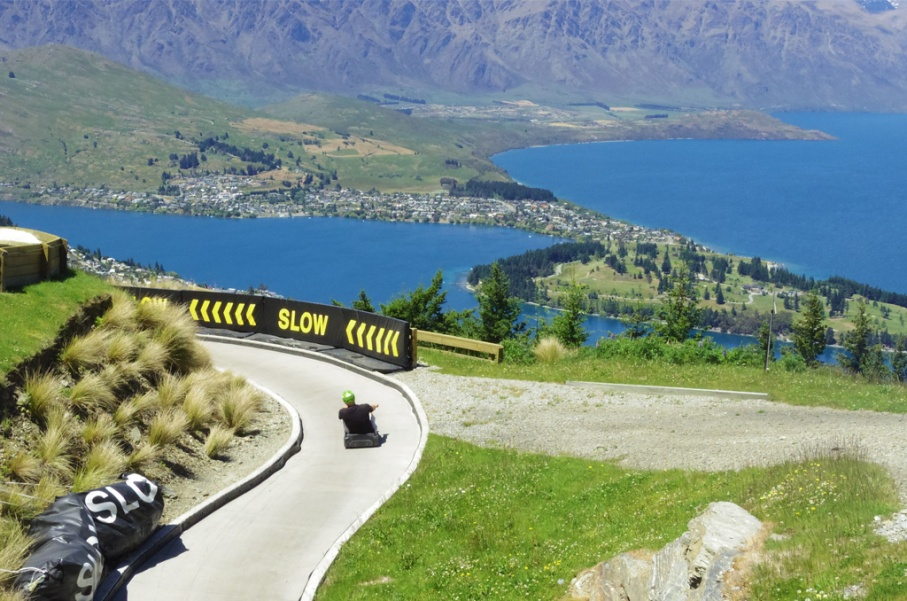 Un tour a deux blog voyage travel nouvelle zelande new zealand queenstown ben lomond track randonnee luge untouradeux.com