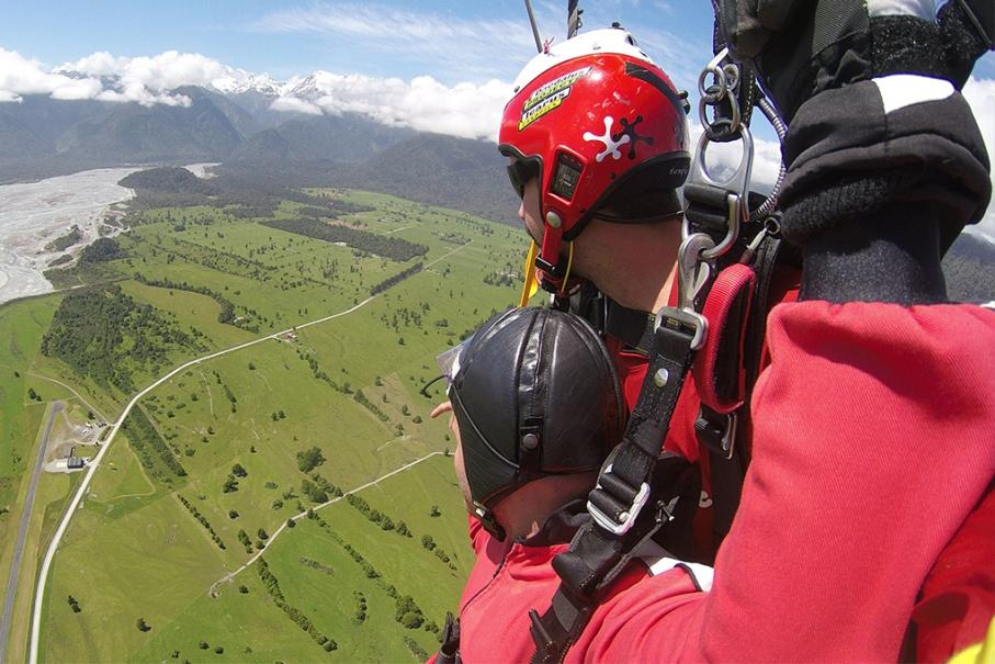 Un tour a deux blog voyage travel nouvelle zelande skydive franz joseph glacier untouradeux