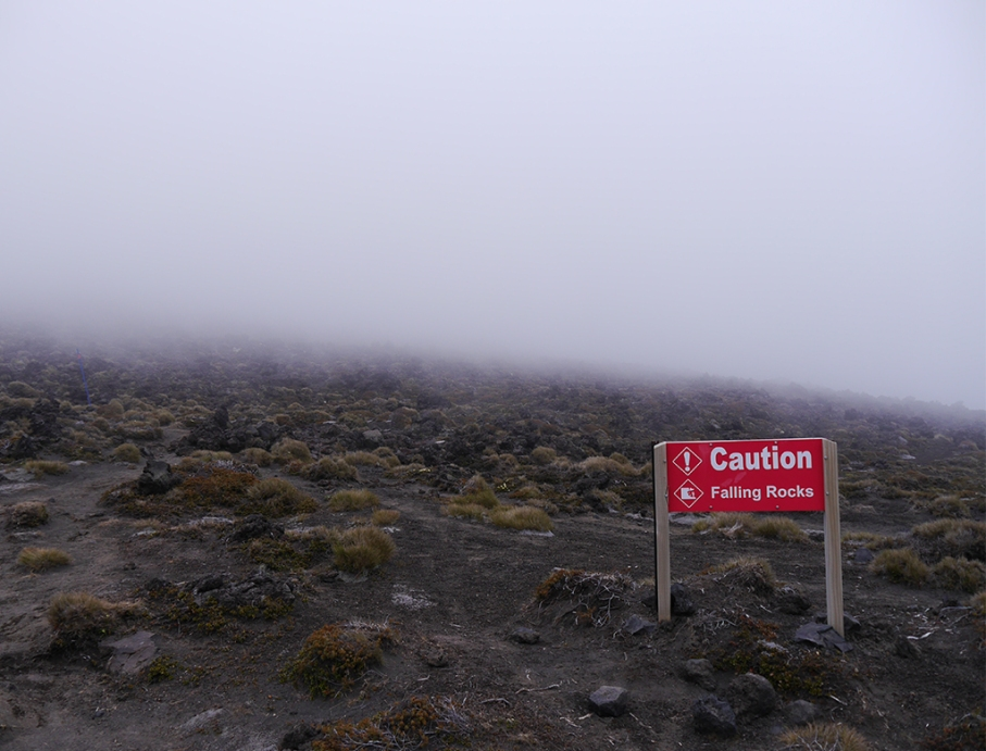 Un tour a deux blog travel voyage nouvelle zelande new zealand tongariro alpine crossing rocks