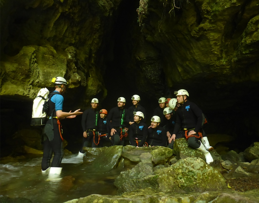 Un tour a deux blog voyage travel nouvelle zelande new zealand waitomo cave world epic tour team