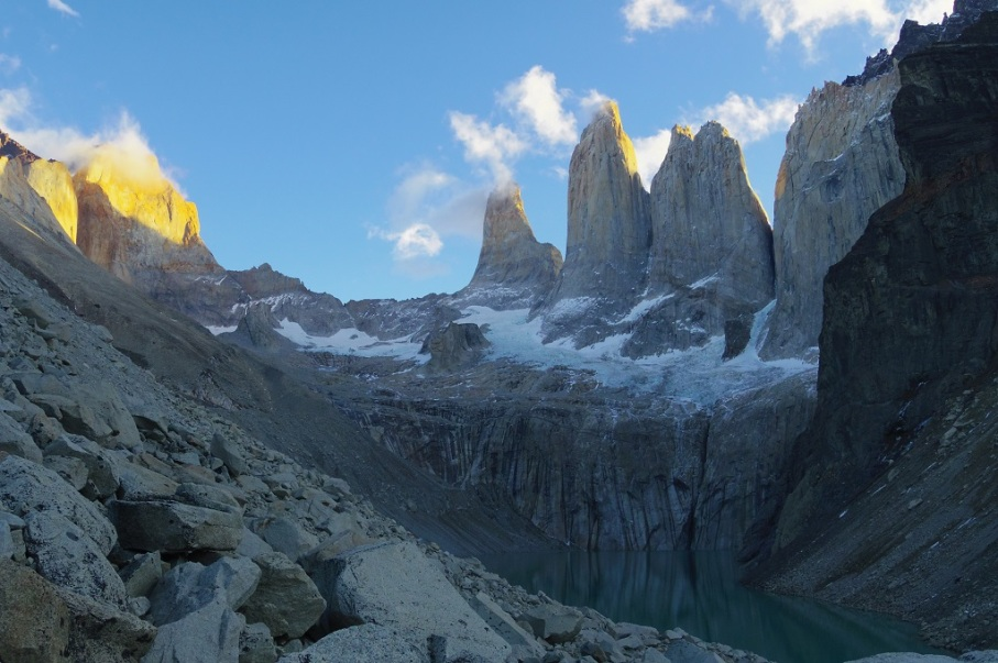Un tour a deux blog voyage travel chile torres del paine patagonia trek holiday tree